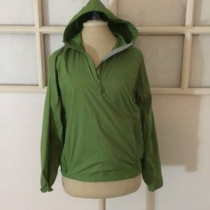 L.L BEAN  green women's Sz S windbreaker jacket
